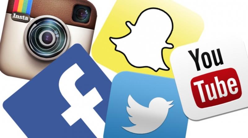 Allt fler arbetsgivare kollar kandidater via sociala medier