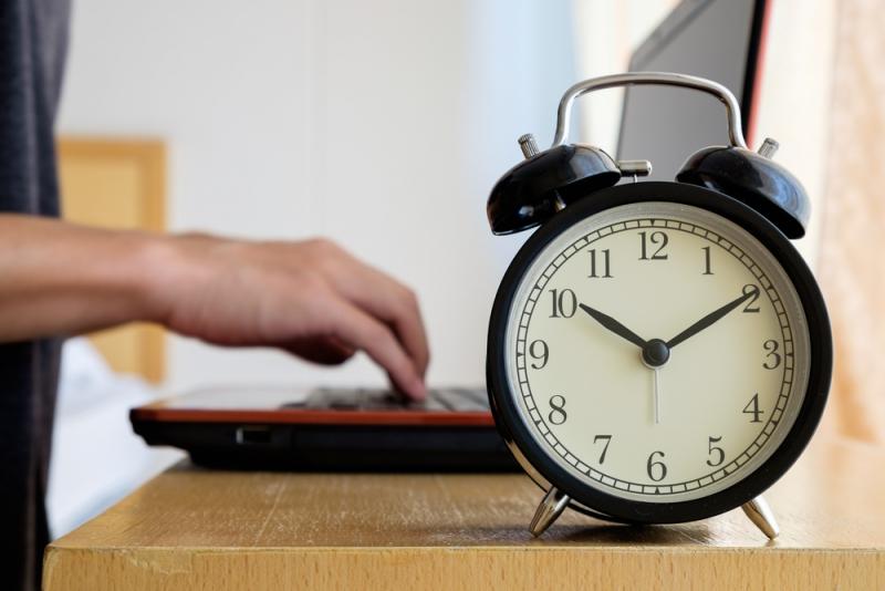 Åtta av tio chefer känner sig tvingade att jobba övertid