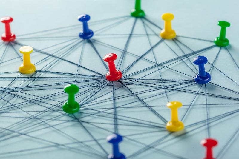 Mitten av ett kluster bästa läget för ett nätverk