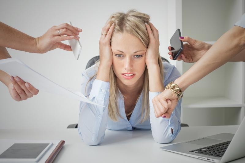 Unga tjänstemän riskerar att stressa sig sjuka