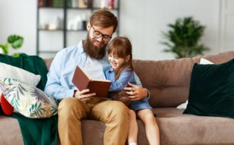 Övertiden minskar bland svenska män