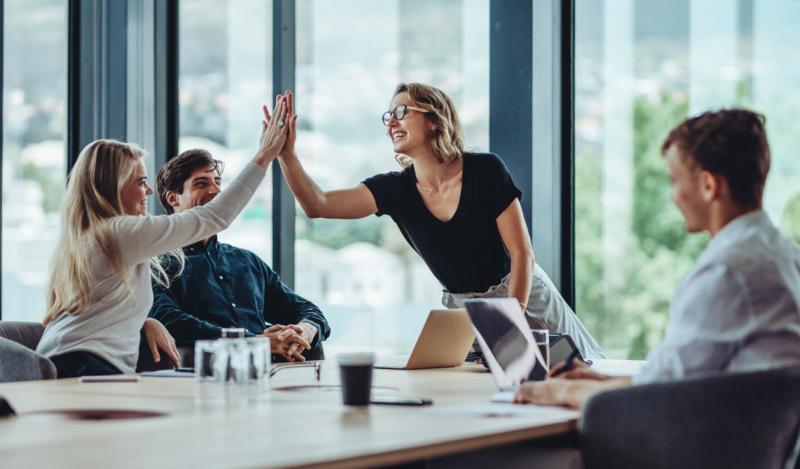 Unga tror gott om sig själva som kollegor