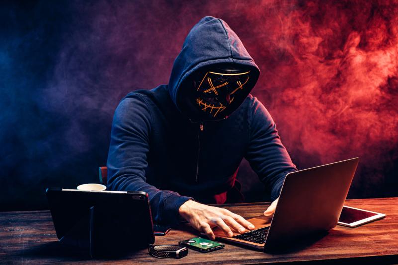 Sex av tio svenskars e-postkonton hackade