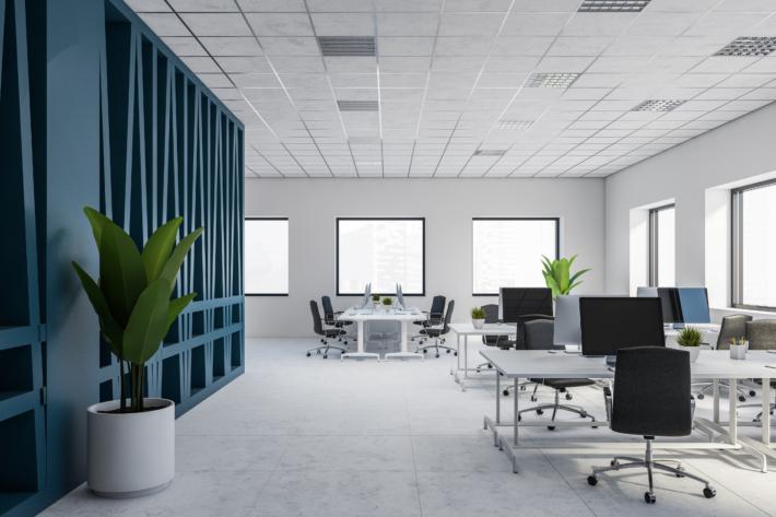 I den öppna kontorsmiljön kände de att det var svårt att värja sig mot ljud- och synintrycken. Foto: Adobe Stock