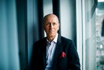 Malcolm Wiberg är advokaten och vd:n som skrivit en bok om sin förändringsresa.