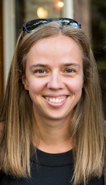 Forskaren Géraldine Fauville att det finns tre huvudorsaker till att kvinnor är mer drabbade av zoomtrötthet.