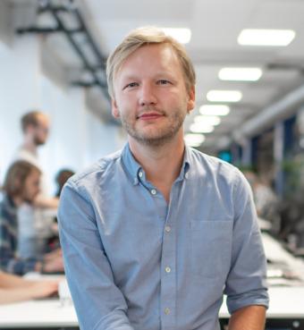 """Niklas Olsson är operativ chef på företaget Questback och författare av den kommande boken """"Målstyrning med OKR""""."""