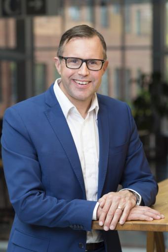 Fredrik Lemming är säljchef på Telia.