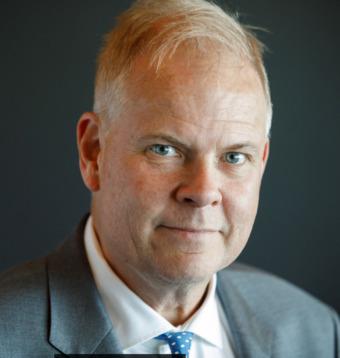 Peter Säll konstaterar att som ledare måste jag också våga vara mig själv, fatta beslut och ta ansvar för dessa.
